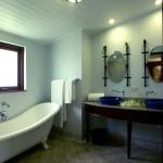 Deluxe-rom-bathroom